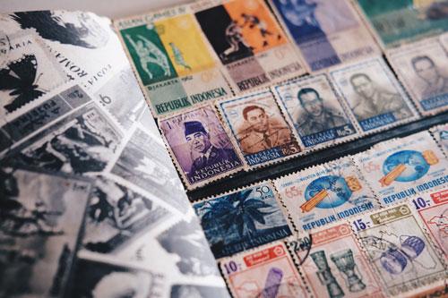 Qu'est-ce que la surimpression de timbre en philatélie ? Définition